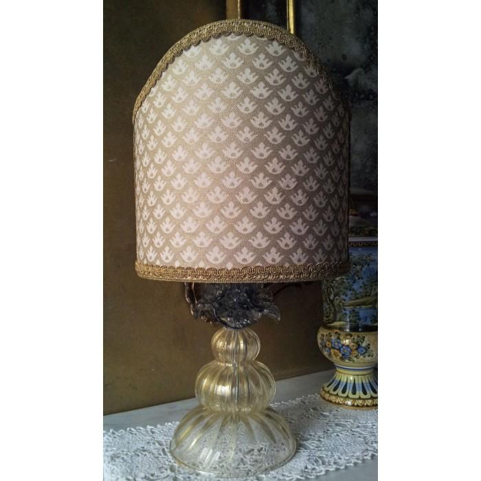 Autentica Lampada da Tavolo in Vetro Soffiato di Murano con Paralume in Tessuto Fortuny Canestrelli