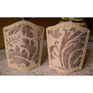 Ventolina Scudetto per Applique in Tessuto Fortuny Lucrezia Bianco e Grigio Perla
