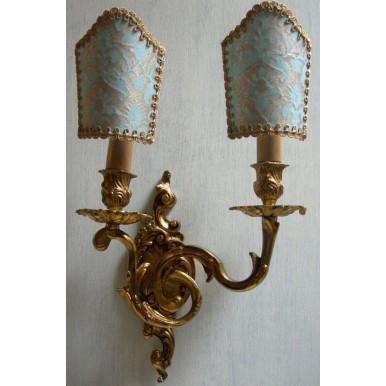 Antica Coppia di Appliques Stile Luigi XV in Bronzo Dorato con Ventoline in Tessuto Fortuny Delfino Aquamarina e Oro