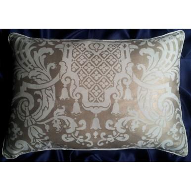 Fodera per Cuscino in Tessuto Fortuny Carnavalet Bianco e Oro