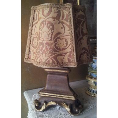 Lampada da Tavolo in Legno con Paralume in Tessuto Fortuny Persepolis