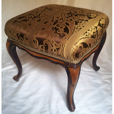 Antico Pouff in Legno Stile Luigi XV Rivestito in Tessuto Lampasso di Seta Rubelli Marrone e Oro