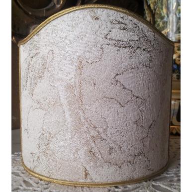 Abat Jour Demi Lune à Pince en Tissu Lampas de Soie Rubelli Dorian Gray Ivoire et Or