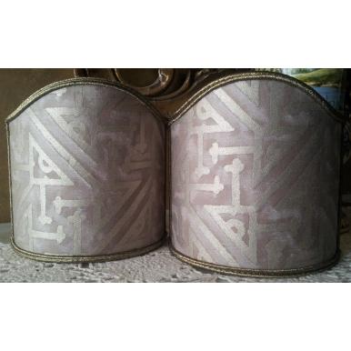 Ventolina per Applique in Tessuto Fortuny Simboli Grigio e Oro