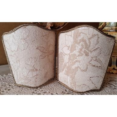 Ventolina Scudetto per Applique in Tessuto Lampasso di Seta Rubelli Dorian Gray Avorio