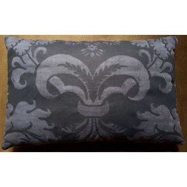 Housse de Coussin Fait Main en Tissu Fortuny Glicine Noir et Gris Texture