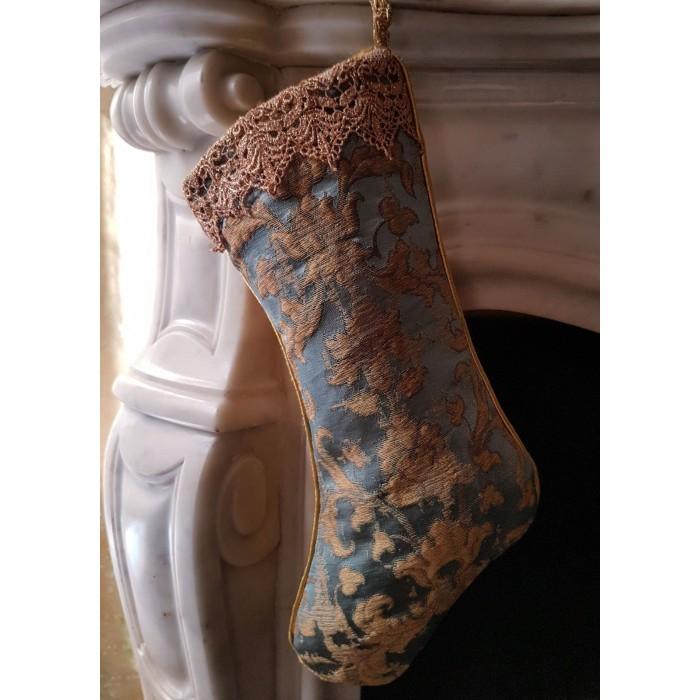 Chaussette de Noël Fait Main en Tissu Jacquard de Soie Rubelli Les Indes Galantes Bleu et Or