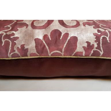 Fodera per Cuscino in Tessuto Fortuny Caravaggio Bordeaux e Oro