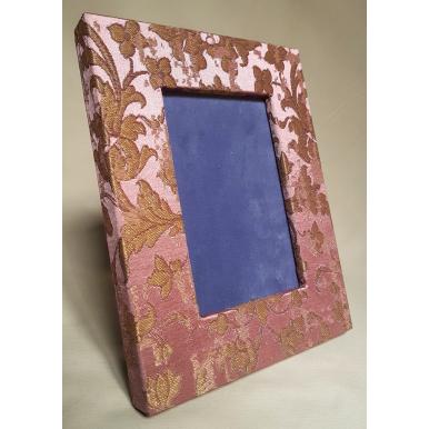 Cornice Portafoto Rivestita in Tessuto Rubelli Les Indes Galantes Rosa e Oro
