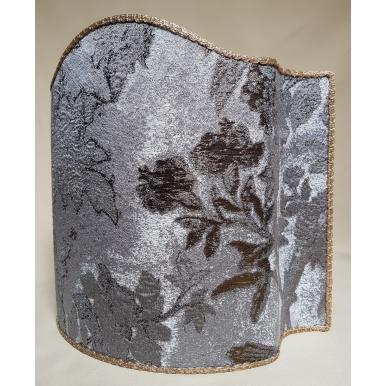 Abat Jour Demi Lune en Tissu Lampas de Soie Rubelli Dorian Gray Argent et Or