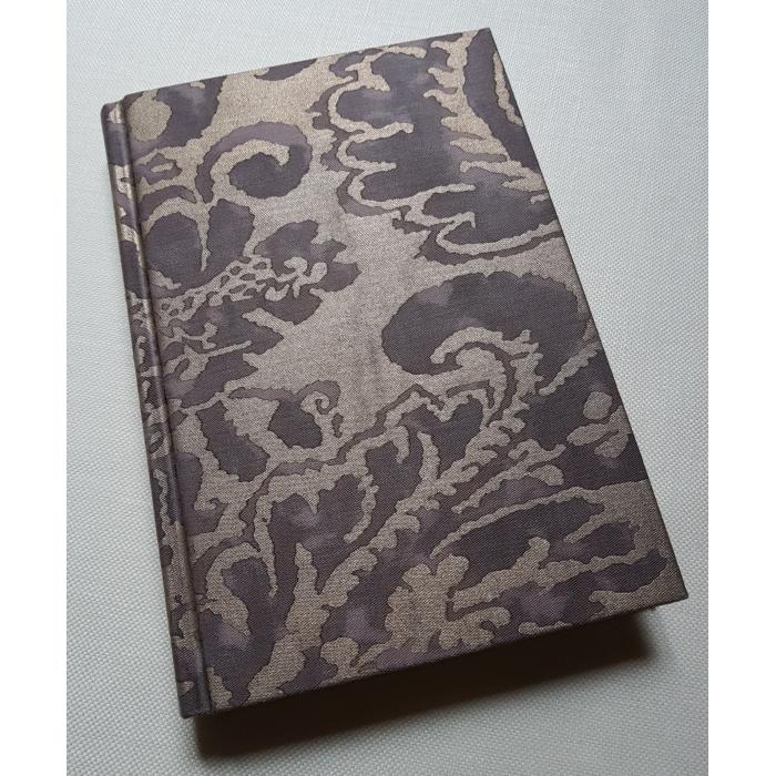 Quaderno con Copertina Rivestita in Tessuto Fortuny Corone Grigio e Oro