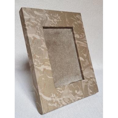 Cadre Photo à Poser Recouvert de Tissu Fortuny Persepolis Gris et Or