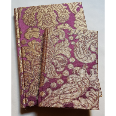 Quaderno con Copertina Rivestita in Tessuto Broccatello di Seta Rubelli Tebaldo Ametista e Oro