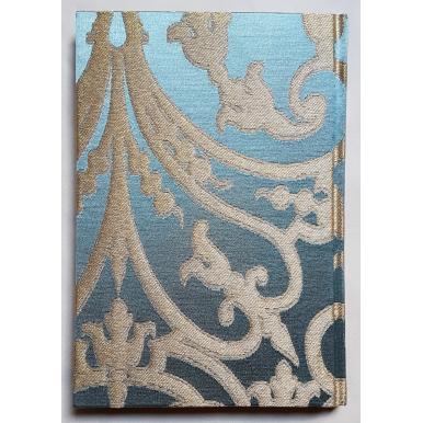 Quaderno con Copertina Rivestita in Tessuto Jacquard di Seta Rubelli Serlio Azzurro e Oro