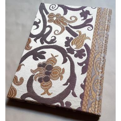 Quaderno con Copertina Rivestita in Tessuto Lampasso di Seta Rubelli Vignola Avorio e Oro