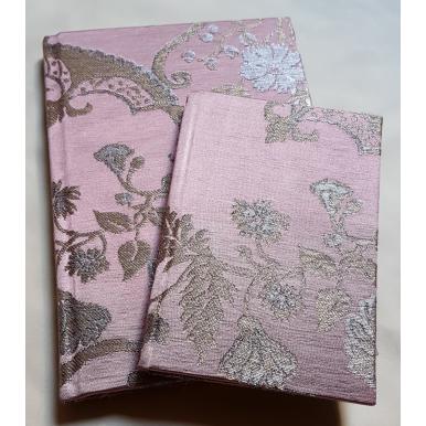 Quaderno con Copertina Rivestita in Tessuto Lampasso di Seta Rubelli Madama Butterfly Malva e Oro