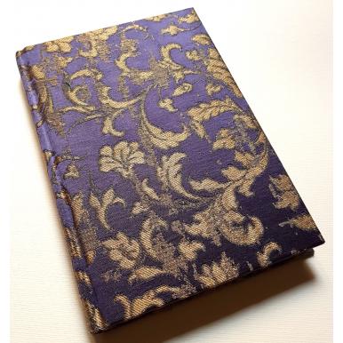 Quaderno con Copertina Rivestita in Tessuto Jacquard di Seta Rubelli Les Indes Galantes Viola e Oro