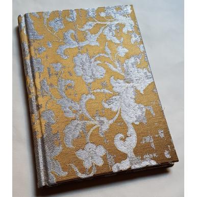 Quaderno con Copertina Rivestita in Tessuto Jacquard di Seta Rubelli Les Indes Galantes Bronzo e Argento
