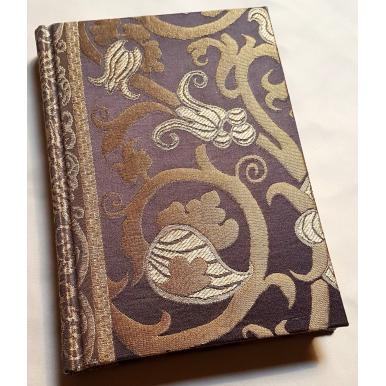 Quaderno con Copertina Rivestita in Tessuto Lampasso di Seta Rubelli Vignola Ebano e Oro