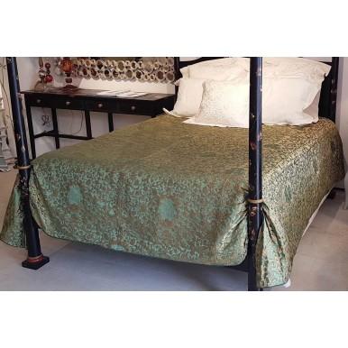 Copriletto in Tessuto Jacquard di Seta Rubelli Les Indes Galantes Verde e Oro