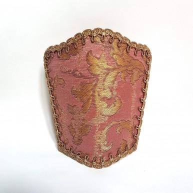 Ventolina Scudetto per Applique in Tessuto Jacquard di Seta Rubelli Les Indes Galantes Rosa e Oro
