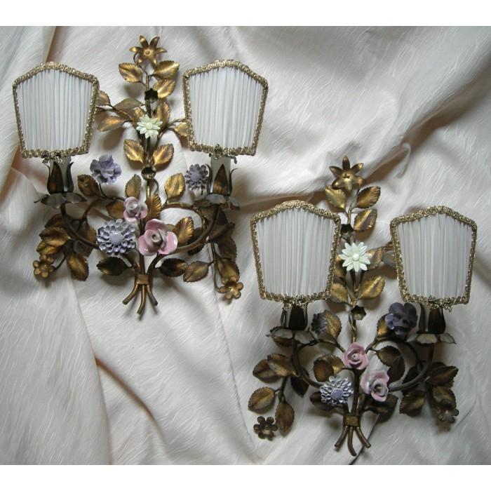 Antica Coppia di Appliques in Ferro Dorato e Fiori di Porcellana con Ventoline in Seta Plissettata