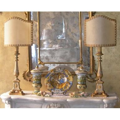 Coppia di Antichi Candelieri in Legno Stile Impero Trasformati in Lampade da Tavolo